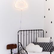 Neoon lamp – pilveke