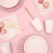 roosa-taldrikud-kuldsete-tappidega-4